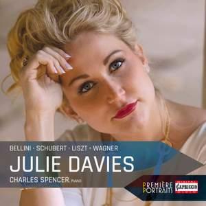 Julie Davies - Première Portraits